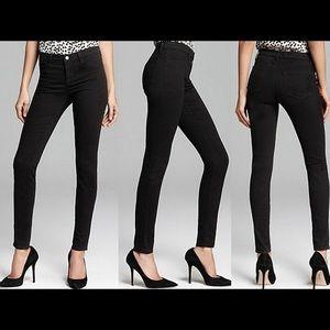 🦋🦋🦋J Brand Lo Rise Cigarette Leg Black Jeans 26